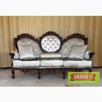 Продаю старинную отреставрированную мягкую мебель.