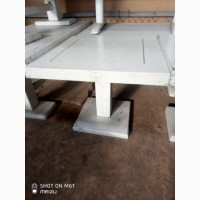 Продам столы деревянные низкие б/у
