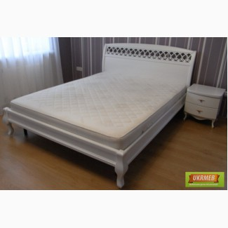 Кровать двуспальная белая