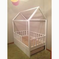 Детская кровать-домик из массива дерева (сосна, ольха)