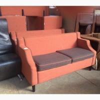 Диван б/у оранжевый, со съёмными подушками