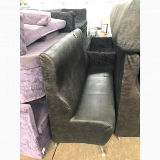 Бу диван с искусственной структурой кожи крокодила