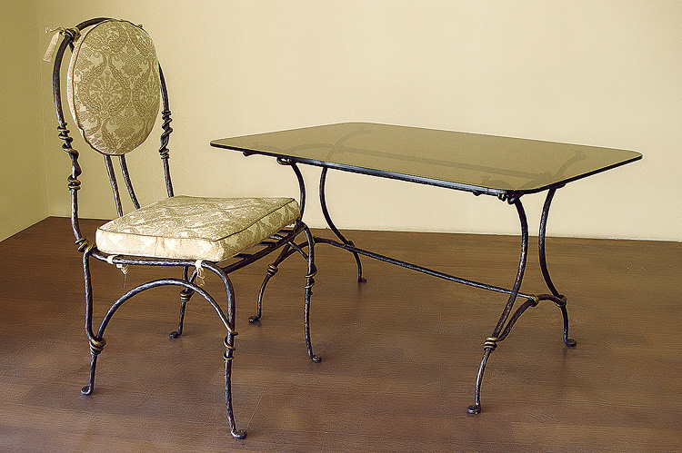 Фото 13. Кованый кофейный стол