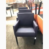 Продам б/у фиолетовое кресло для кафе, баров