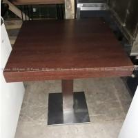 Столы деревянные б/у (мебель бу) на металлической ноге в кафе бар ресторан