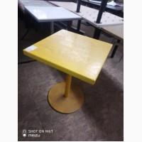 Стол б/у желтый нога металл