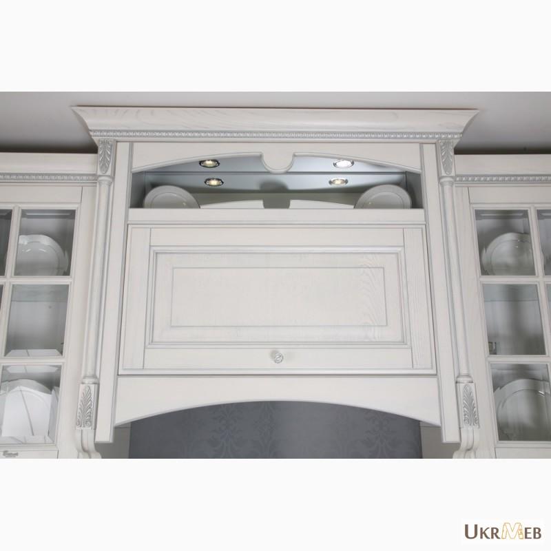 Фото 7. Дизайнерские кухни в классическом стиле из массива с патиной и резьбой