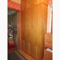 Шкаф для прихожей трехстворчатый с тумбой и антресолью
