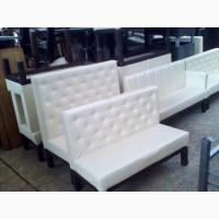 Продам диван б/у кожзам бежевый для кафе
