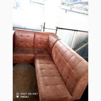 Продам диван угловой б/у кож зам коричневого цвета в клеточку