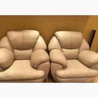 Два кресла кожаные продам (натуральная кожа)