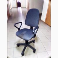 Офісне поворотне крісло, до 100 шт