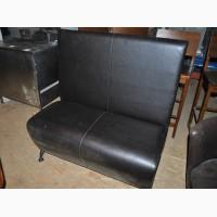 Продам диваны б/у кожзам черного цвета с высокой спинкой для кафе
