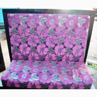 Продажа диванов б/у фиолетовых в цветок тканевых с высокой спинкой
