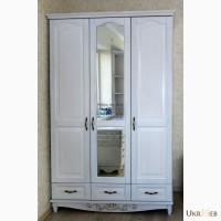 Деревянный 3-х дверный шкаф из массива ясеня