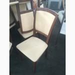 Продам бежеві стільці бу